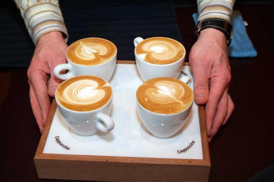 מגש קפוצ'ינו- חותם הקפה