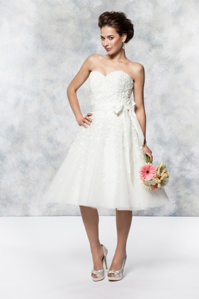 Short Wedding Dress Perfect For Abroad Weddings