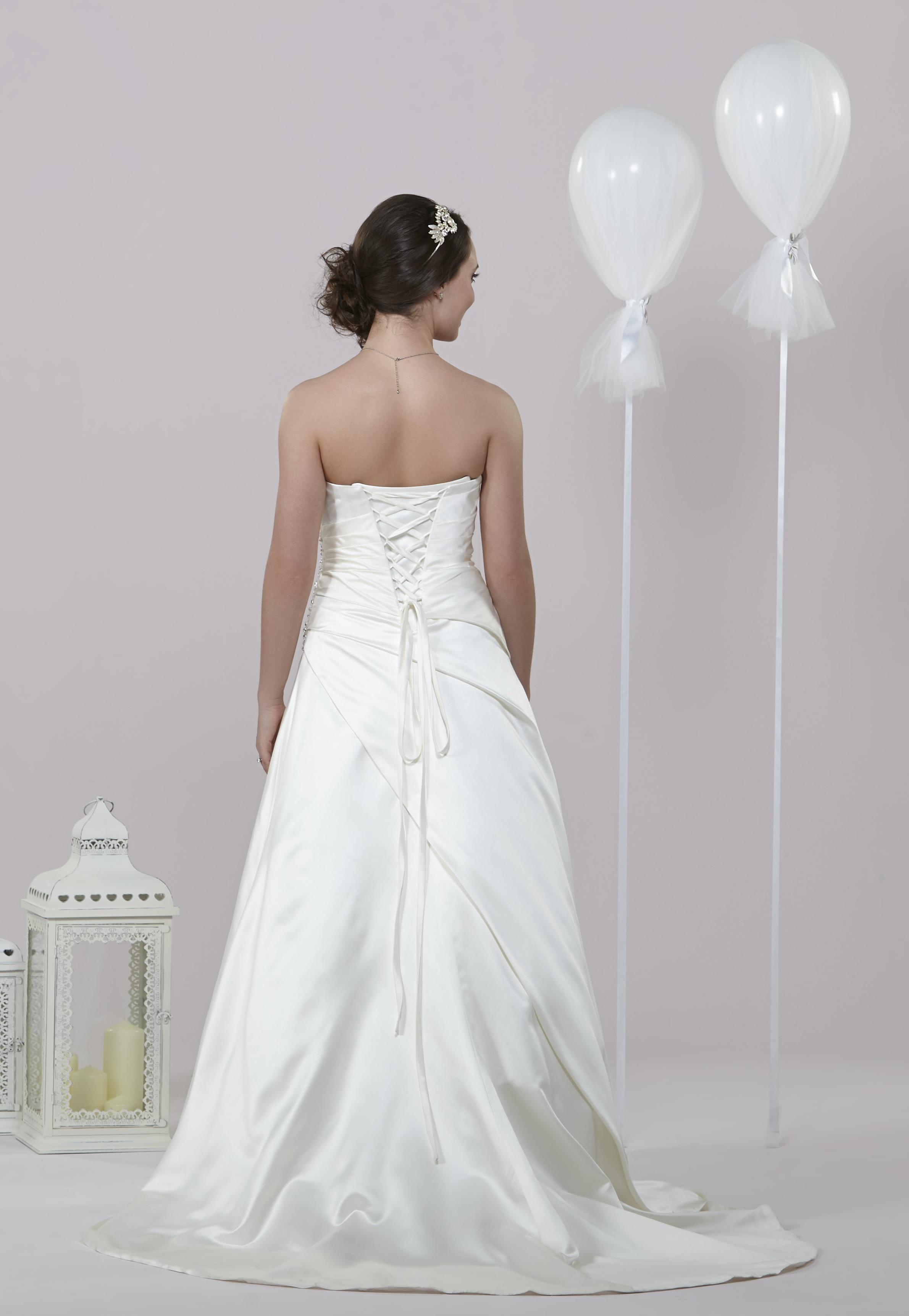 Daisy By Alexia Wedding Dresses MIRFIELD WEST YORKSHIRE