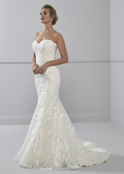 Paloma bridal gown fitted lace