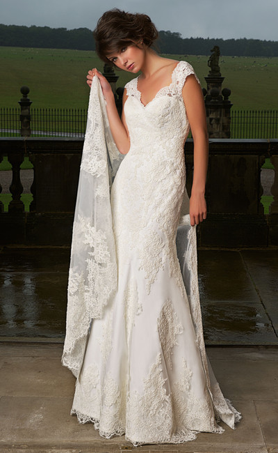 W385 Alexia designs bridal wear.