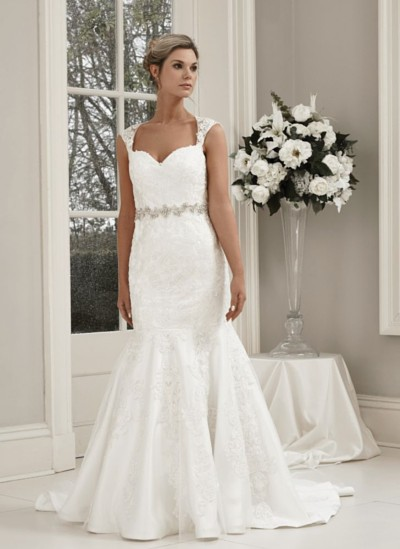W429 Alexia designs bridal wear.