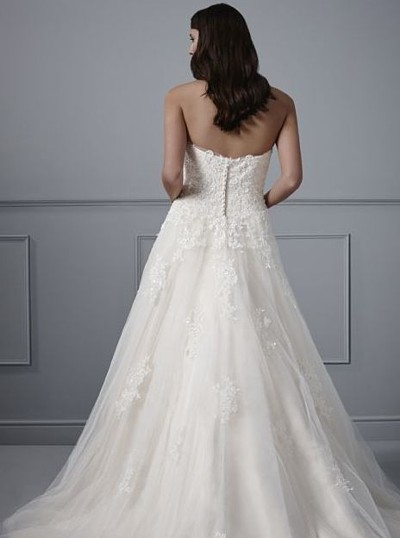 Judith bridal gown Button or lace up back