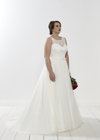 Silhouette wedding dress lace