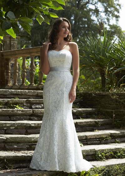 Simple lace wedding dress, no train