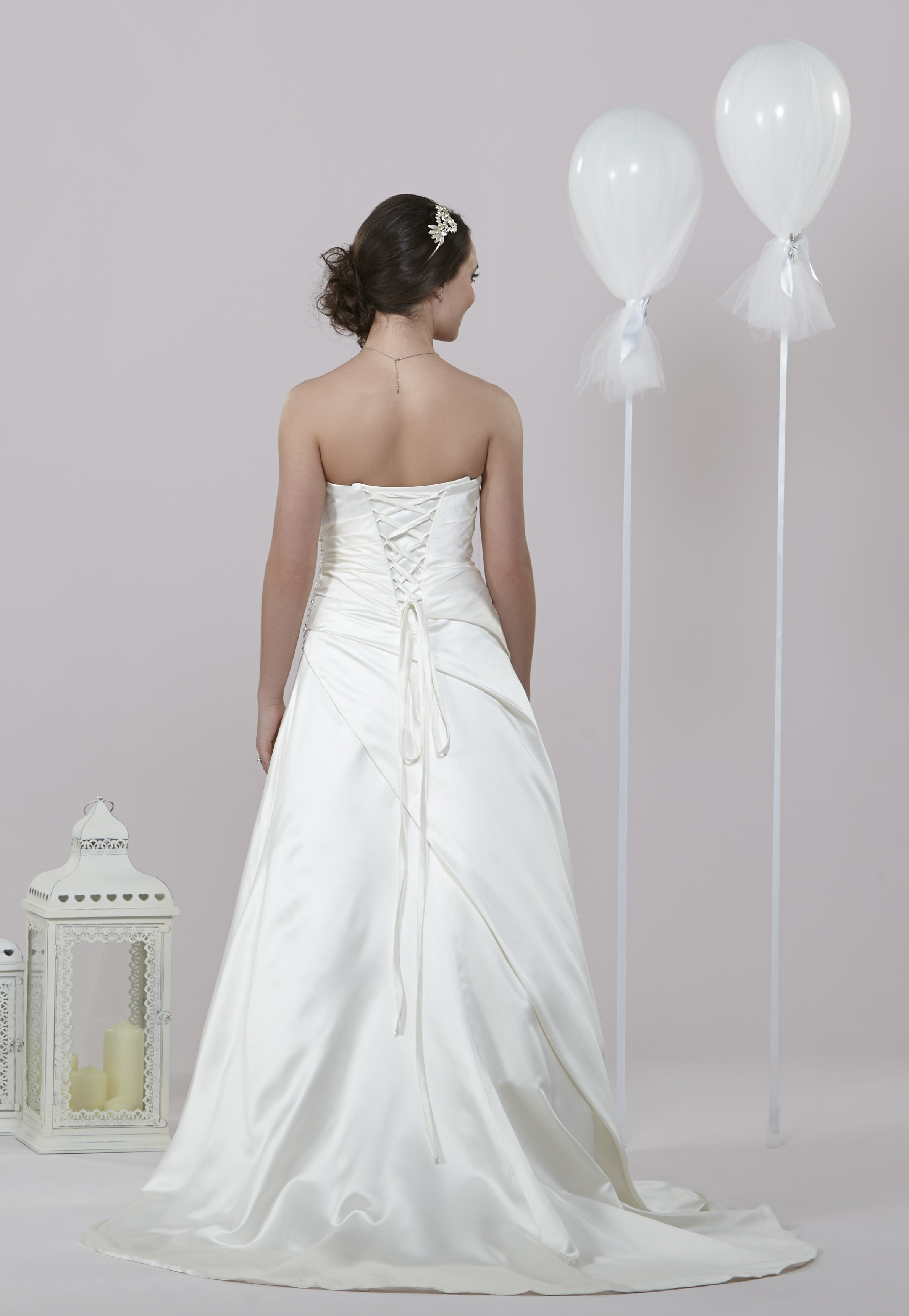 Daisy by alexia wedding dresses mirfield west yorkshire for Daisy lace wedding dress
