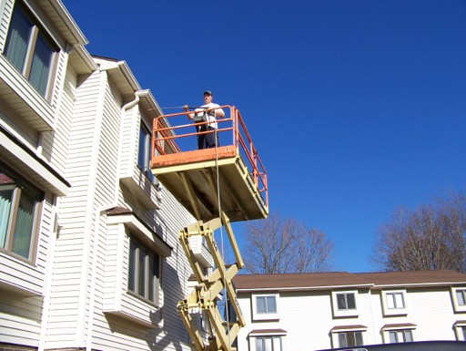 Pals Power Washing welcomes work from condo associations and apartment house rental companies