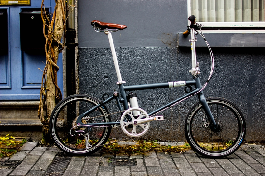 Ahooga Hybrid Bike / Style+ / Jaw Drop Charcoal